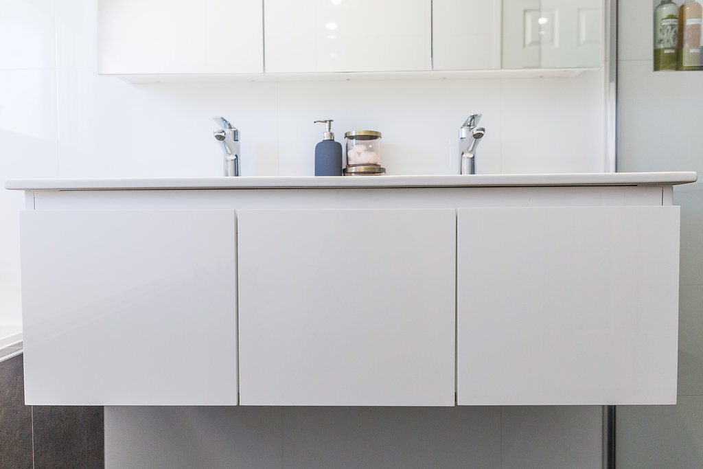 White gloss wall hung vanity