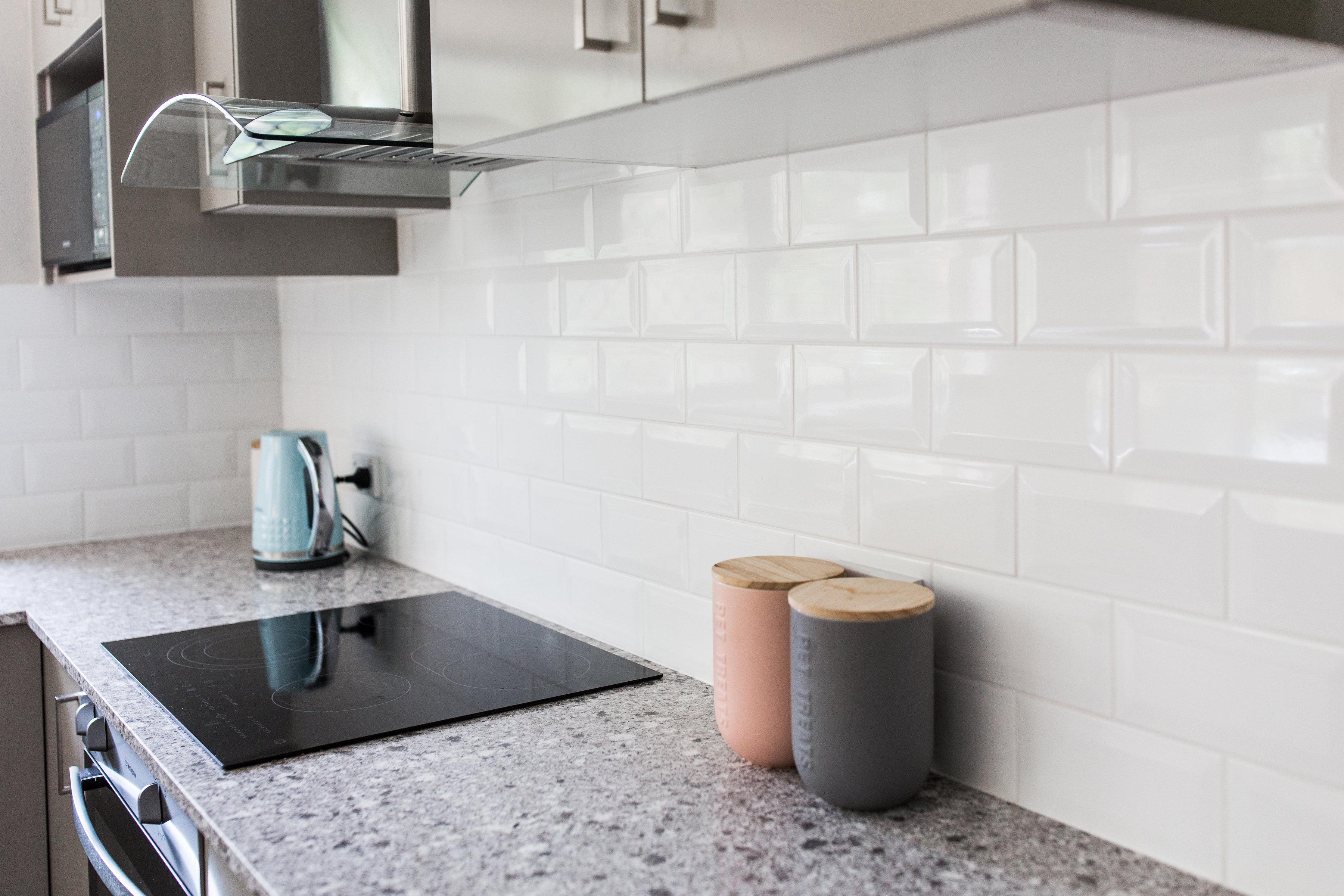 Subway tile splashback