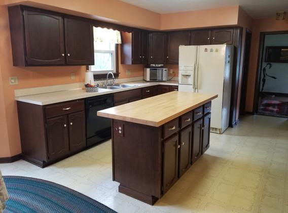kitchen lj.jpg