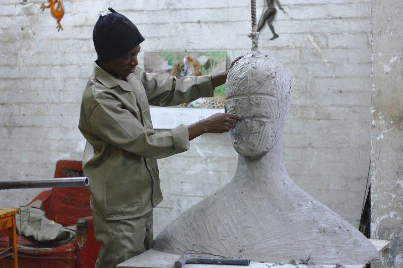escultor-e1568806837813