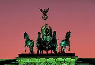 Berlin_Brandenburger_Tor__7_RET.jpg