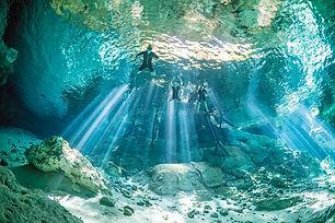 cenotes-dos-ojos.jpg