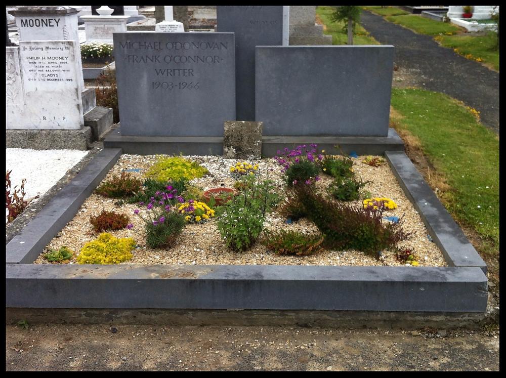 Frank O'Connor's grave.