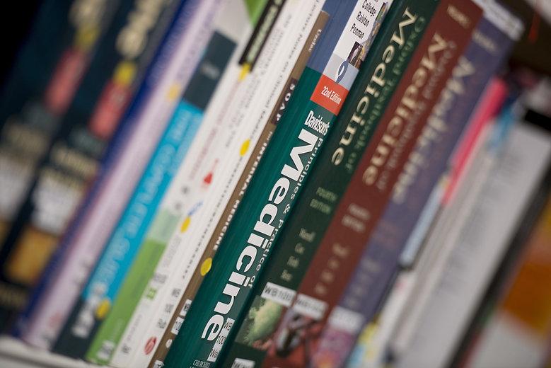 books-1920341_1920.jpg