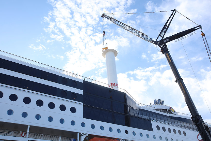 Installing Norsepower Rotor Sail on board Viking Grace