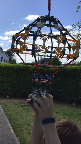 Isaac Hot air balloon Knex.jpg