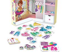 Wonder Forge Fancy Nancy Find Your Fancy Guess and Dress Game
