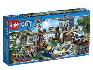 LEGO CITY Swamp Police Station
