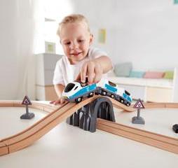 Hape Figure 8 Passenger Train