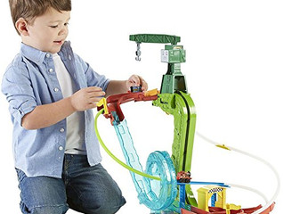 Fisher-Price Thomas and Friends Minis Motorized Raceway