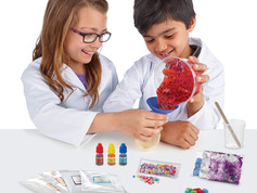 Gender-Free Craft Kits – Crunching Time in the Age of Social Distancing