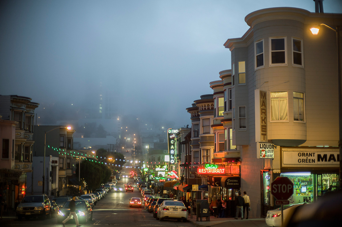 dusk fog arriving over Russian Hill