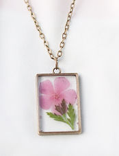 birthflower necklace