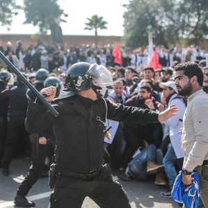 """الامن الوطني يحتاج الى فرق شرطة متخصصة في """"الحوار"""" مع المتظاهرين وكفى من لغة العنف"""