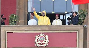 يجب على الملك حل البرلمان ومحاسبة الاحزاب والفاسدين لان دستور 2011  لم يطبق لحد الان!