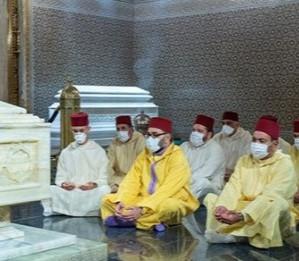 الملك محمد السادس يترحم على روح جلالة المغفور له الملك محمد الخامس