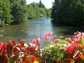Rivière Le CLAIN à Chasseneuil-du-Poitu Futuroscope Poitiers Vienne 86 CKCCP CANOE KAYAK MUSEE La maison d'Autrefois Tourisme Poitiers