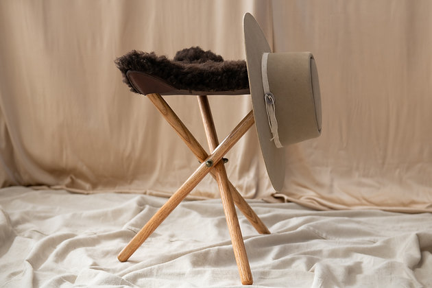 SHEARLING CAMP CHAIR