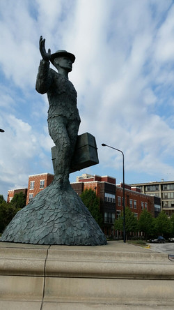 Bronzeville statue in Chicago