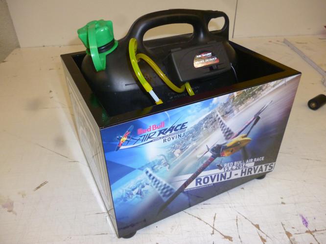 Folierte Tank-Kiste für Modell-Flieger