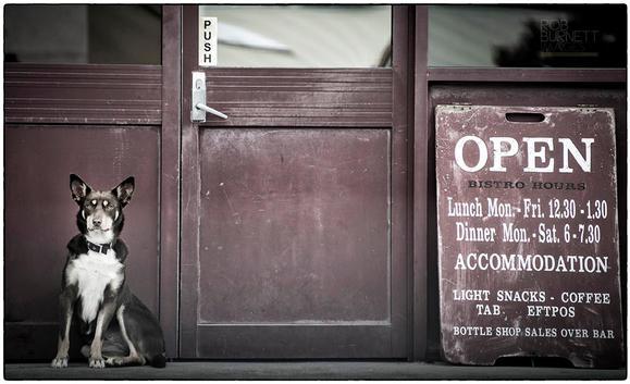 Flinders Pub.jpg