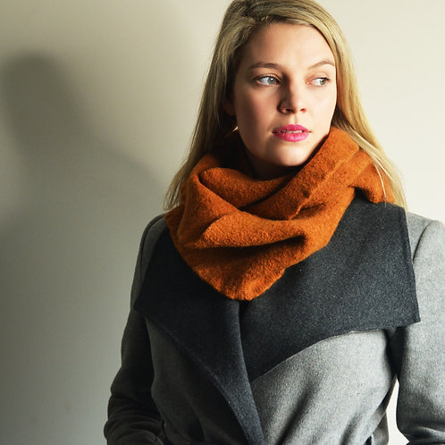 Felt Bundle Scarf in Rust