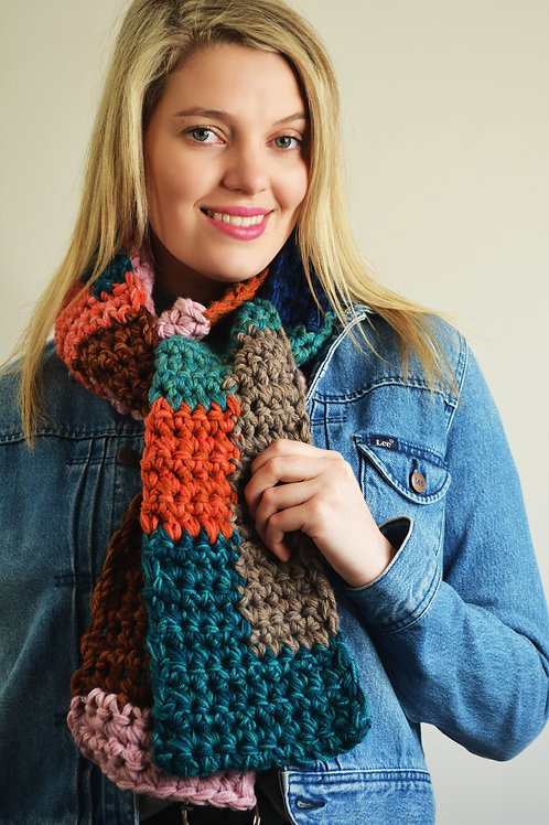 Chunky Crochet Intarsia Scarf