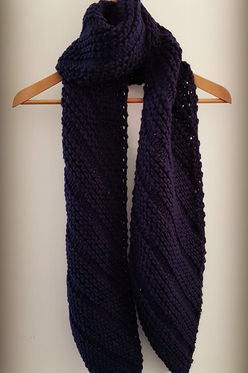 Chunky Knit Scarf in Navy