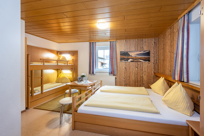 4 Bettzimmer Standard ohne Balkon (ca. 21 m²)