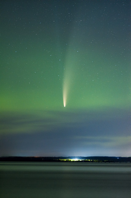 Comet Neowise and the Northern Lights