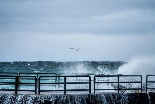 The #pier #Charlevoix taking some heavy