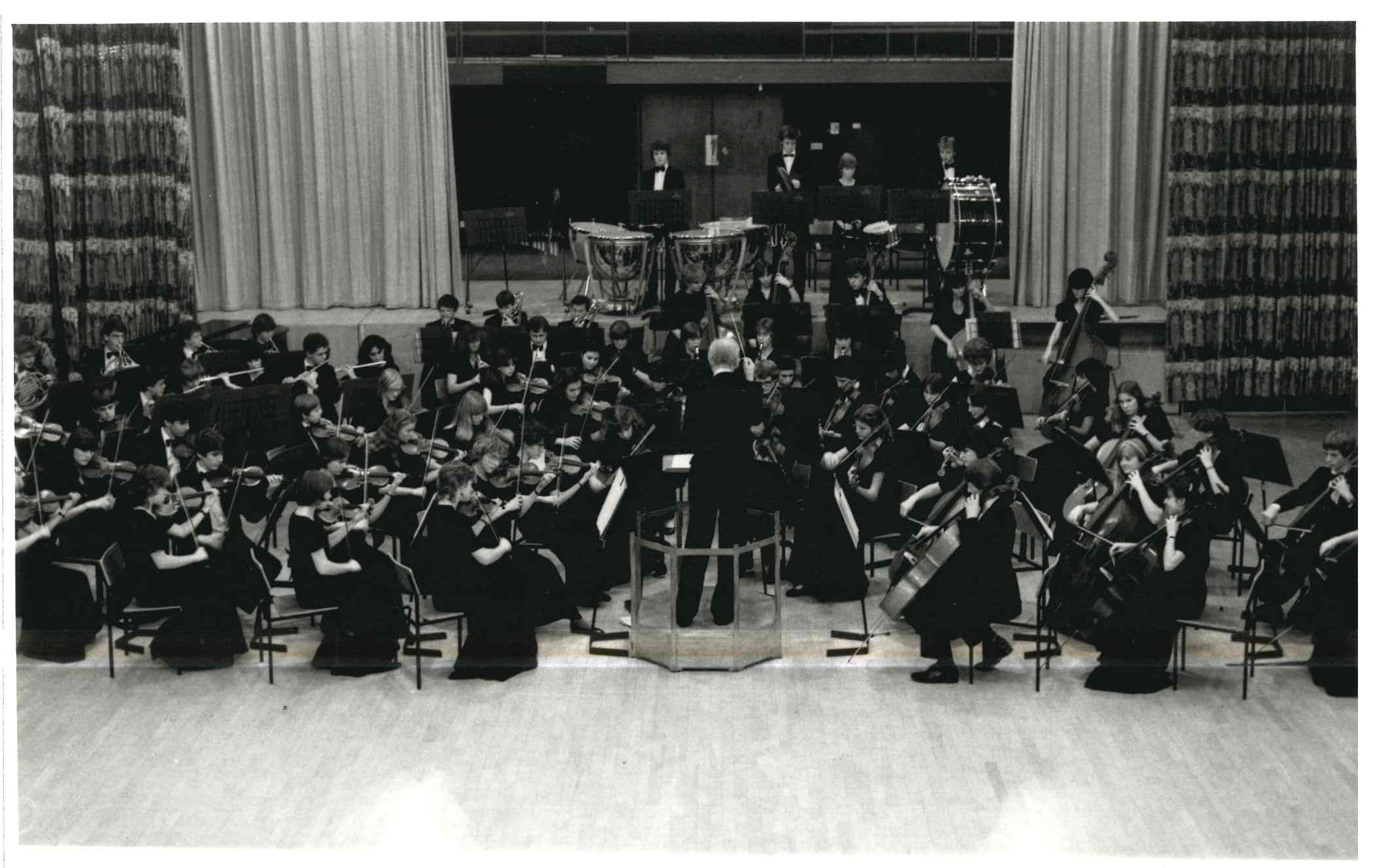 00163-Full orchestra in Concert, 1982.jpg