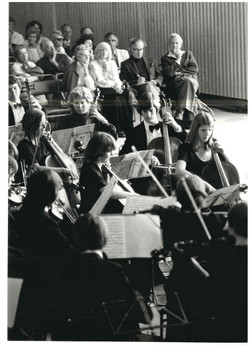 00415-Concert in Brighton Marina Boathouse.jpg
