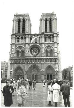 00513-Outside Notre Dame, Paris.jpg