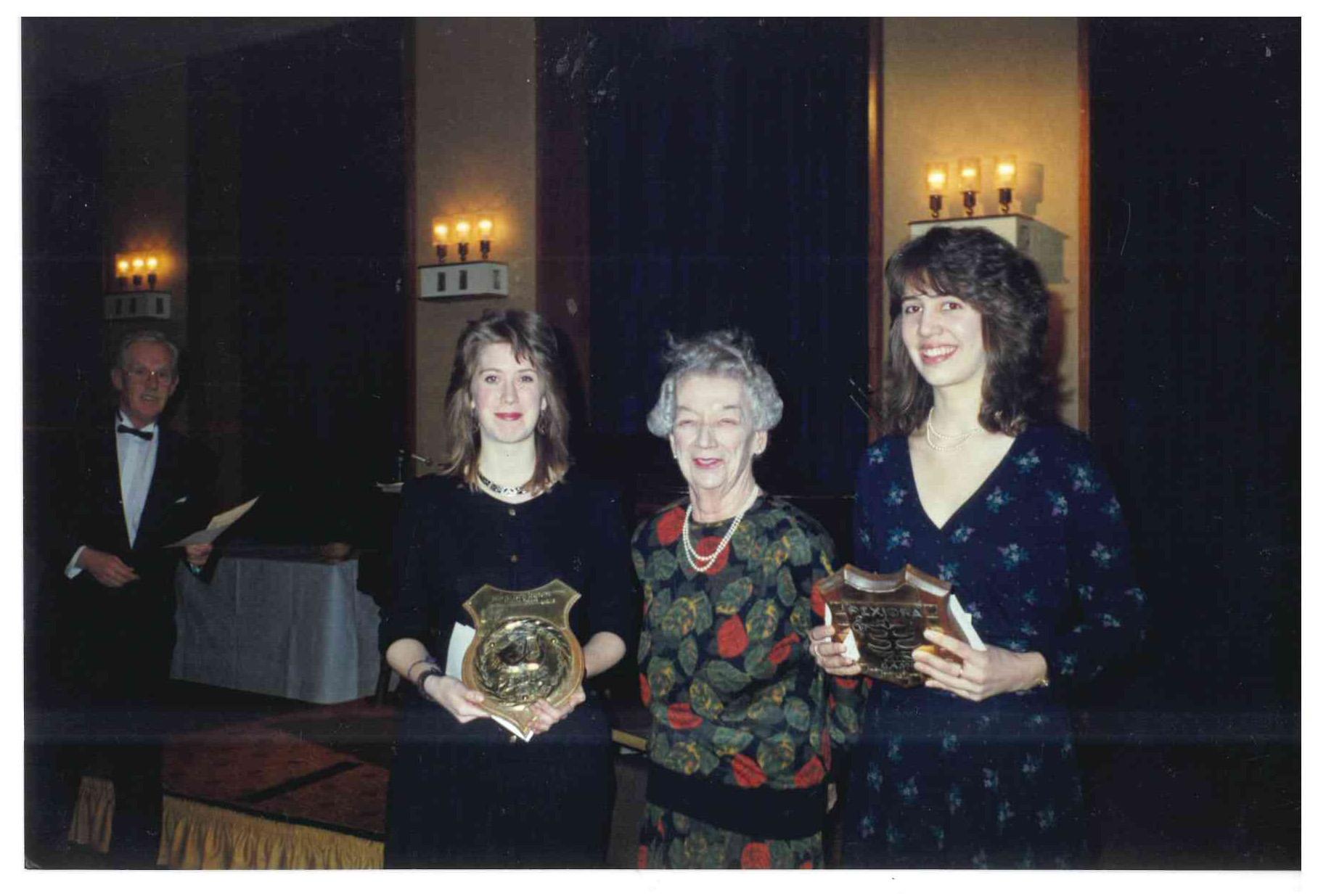 00168-Scholarship Winners, 1989.jpg