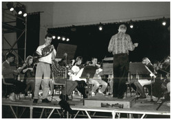 00269-Orchestra and Horn Soloist 1998.jpg