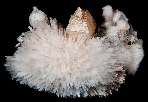 Powellite, Apophyllite, Scolecite