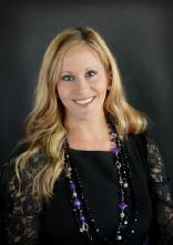 Kristin Tate headshot