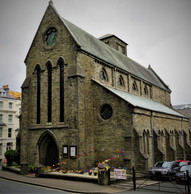 St Thomas' Front.jpg