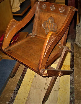 Chn Glastonbury chair.2jpg.jpg