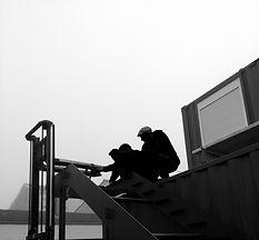 l'atelier perché dans un container maritime