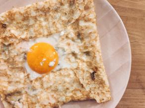 Galette de pavo, huevo y queso azul
