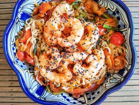 Noodles de arroz y colas de gambón