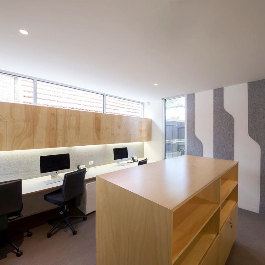 Surgeon s rooms-bureaux_edited