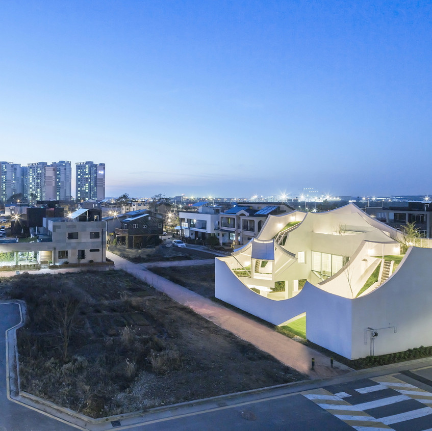 Flying house vue drone2