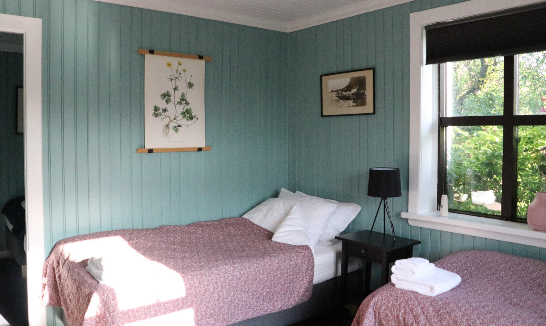 Prestshús East end bedroom, 4 beds.