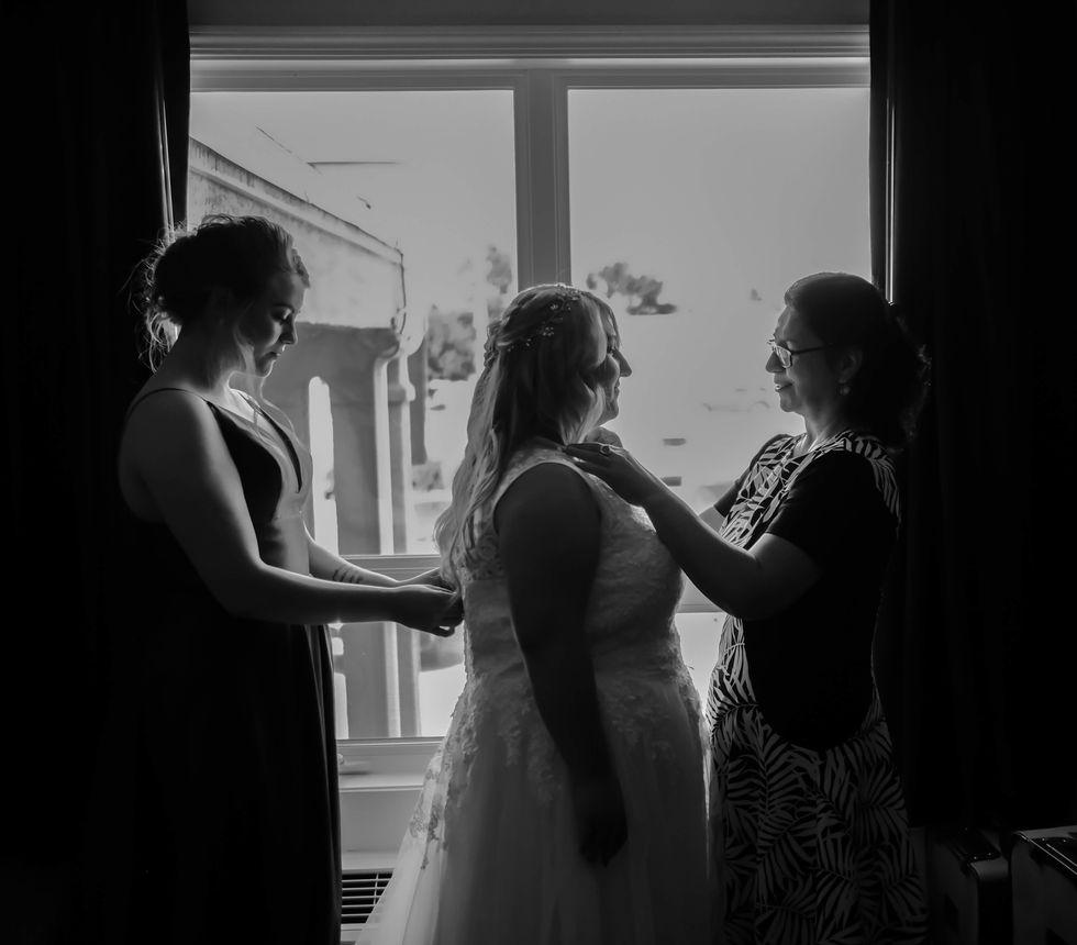 1. Bride getting ready-74.jpg