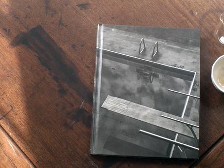 Empty Glass with ANNIE LEIBOVITZ : Olympic Portraits