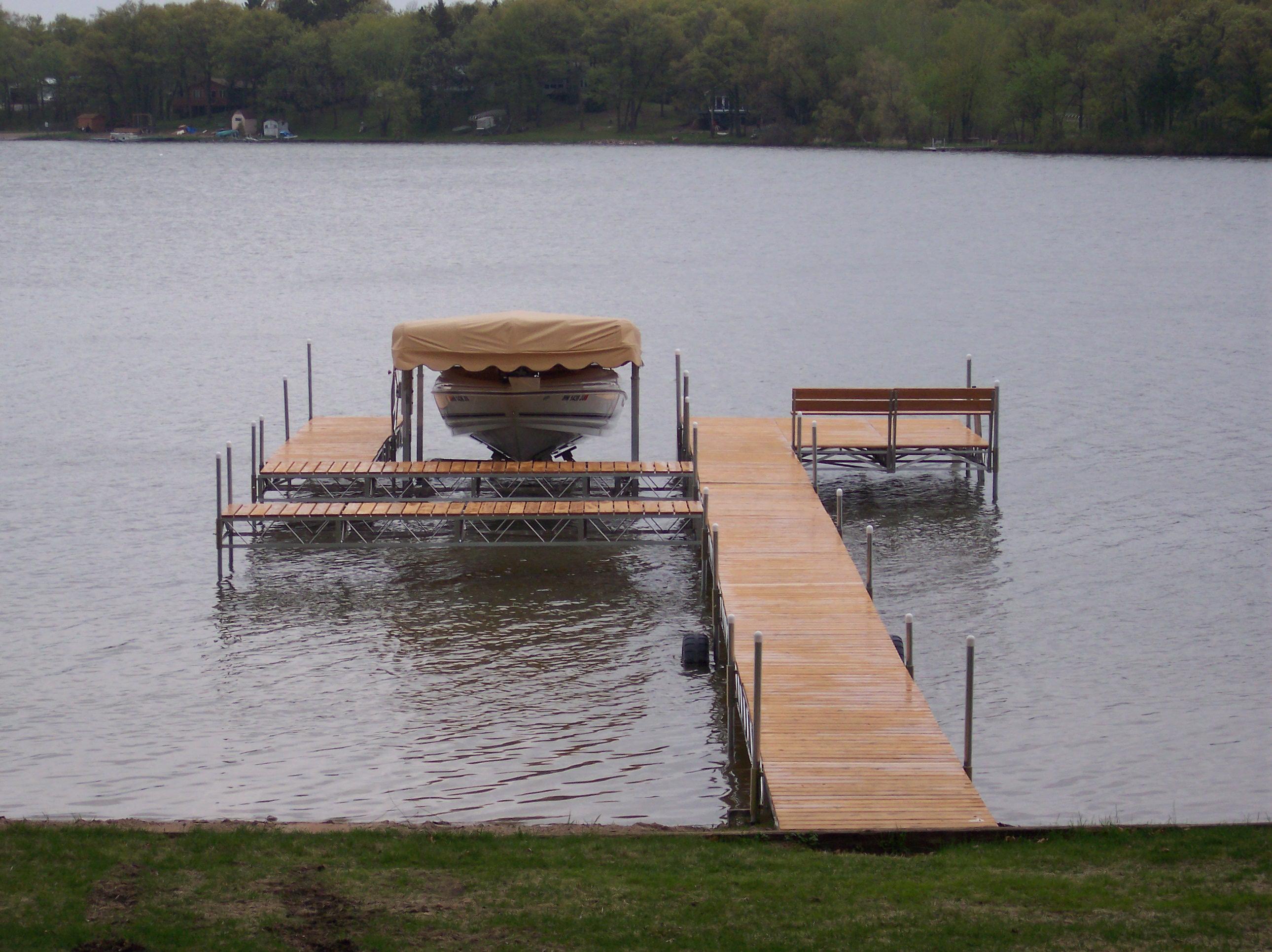 Roll in Docks, boat lifts, aluminum docks, paradise pad