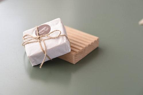 סבוניית עץ וסבון מוצק